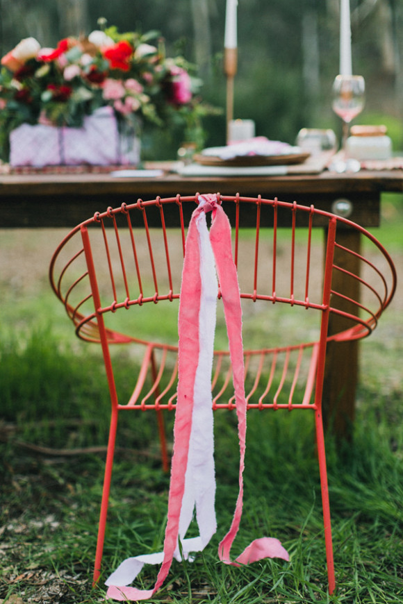 Ruffled - photo by http://www.mapleandelm.com/ - http://ruffledblog.com/modern-garden-wedding-inspiration